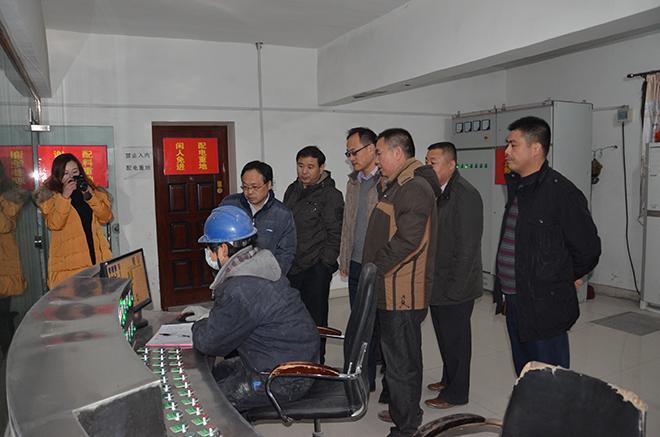 2013年12月河南省建设领域有关专家视察我公司.JPG